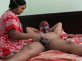 Desi Mummy Seducing Youthful Academy Crony In Absence Of Her Economize