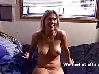 Hot curvy mom fucks younger scrounger