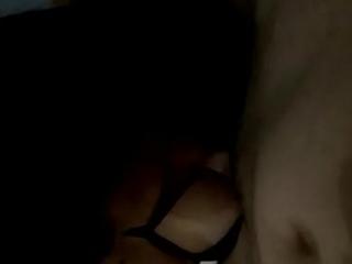Aline Tavares seduzindo o casado com os p&eacute_s