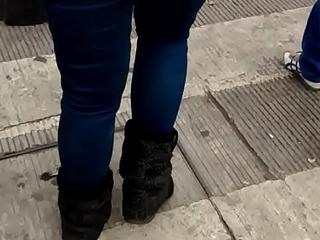 chava culona en jeans 1