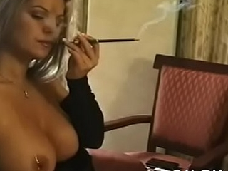 Sexy babe caresses herself whilst relishing a knacker