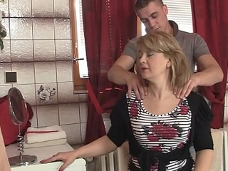 Girlfriend'_s hot mature mammy is fucked doggystyle