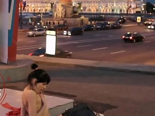 Bared Russian girl in the center of Moscow / Putin'_s Russia