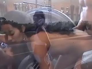 Sexo e Exibicionismo nas Estradas (trailer)