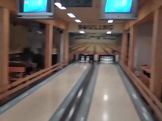 HUNT4K. Sex beim Bowling - Strike!